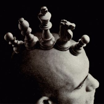 Al ajedrez se juega con la cabeza.